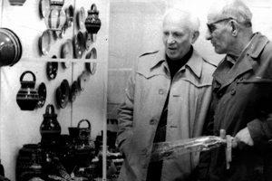 С Баю Добрев на изложба за Цветница в Ловеч, 1987 г.