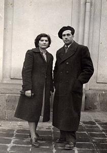 Със съпругата си Тотка