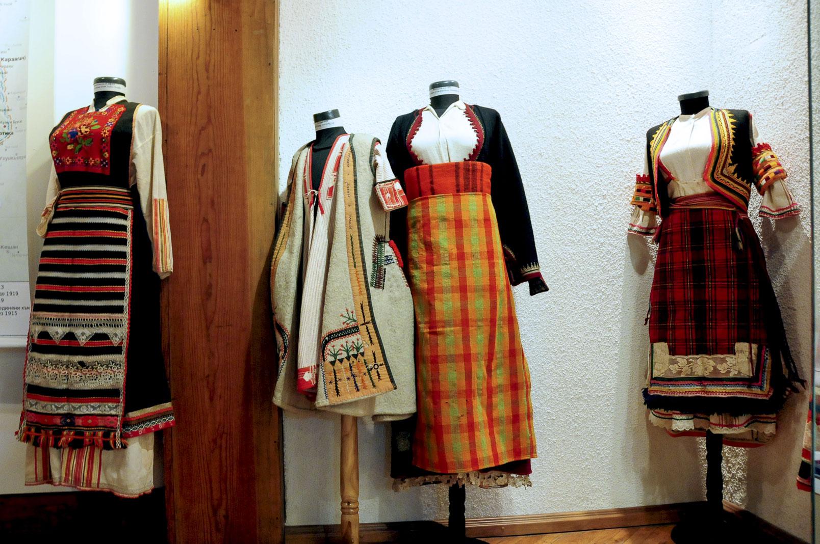 troyan-museum-ot-kinocentara-do-muzeinata-vitrina-11
