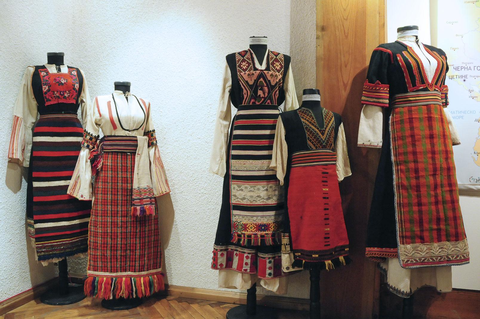 troyan-museum-ot-kinocentara-do-muzeinata-vitrina-6