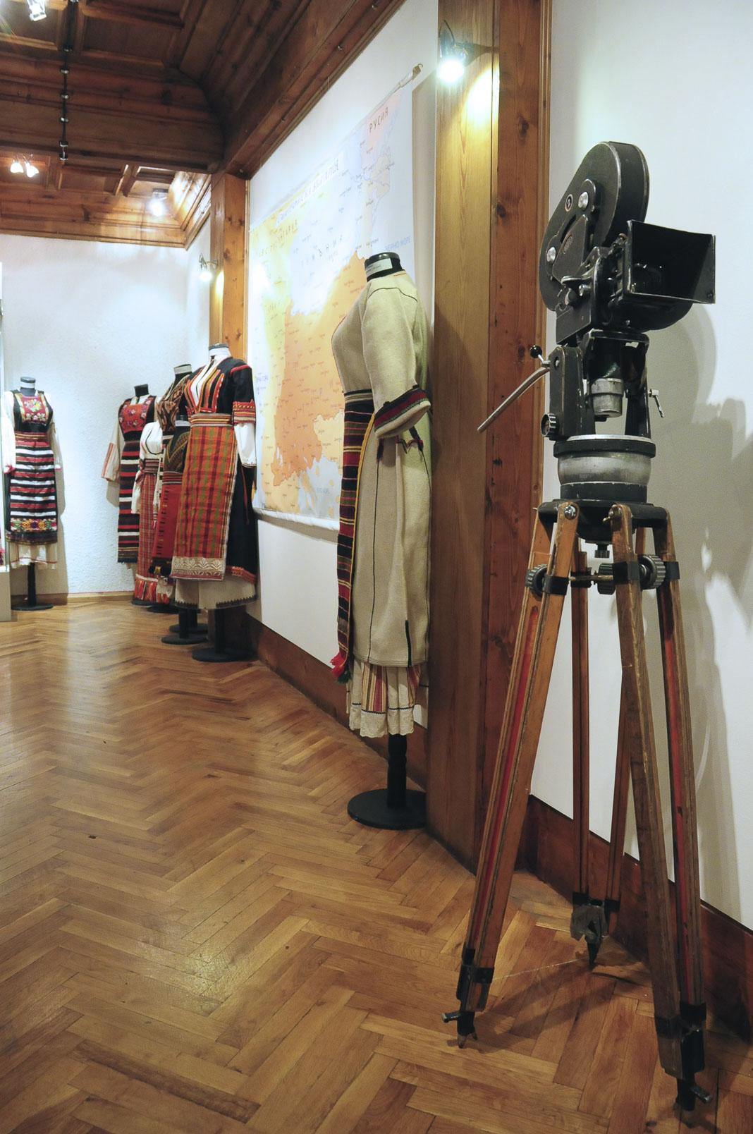 troyan-museum-ot-kinocentara-do-muzeinata-vitrina-9